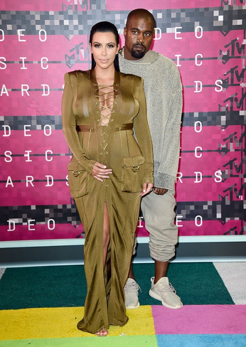 2015 VMAs Red Carpet | Kanye West, Kim Kardashian, Amber Rose, Miley Cyrus & More (Photos)